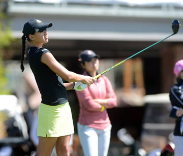 Oregon's Marcella Pranovia tees off Tuesday<br>photo courtesy Pac-12
