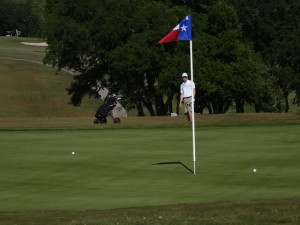Barrett Sandefur's third to the par 5 17th <br>(Golf Austin Photo)</br>