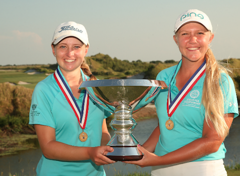 Kaitlyn Papp (L) and Hailee Cooper (R) hold U.S. Women's Amateur Four-Ball trophy <br>(USGA Photo)</br>