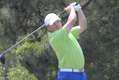 Marcus Grumbles and teammate Garland Ferrell among teams in quarterfinals <br>(scgolfclub.com photo)</br>