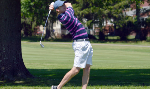 Brian Ahern takes a swing at Wethersfield Country Club <br>(CTGA Photo)</br>