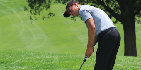 Timothy Hildebrand watches putt at Indiana Open <br>(IGA Photo)</br>