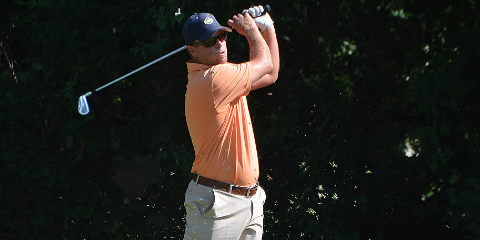 Colby Harwell hits a tee shot on Friday <br>(Texas Golf Association Photo)</br>