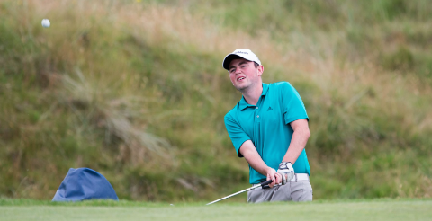 George Duncan chips during Friday play <br>(Scottish Golf Photo)</br>