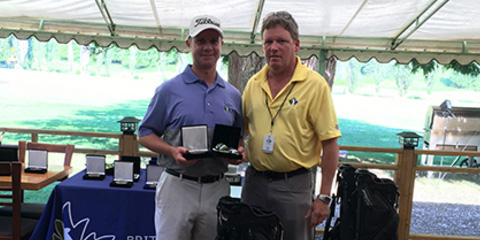 Craig Doell (L) with Tournament Chairman Len Fergie<br>(British Columbia Golf photo)