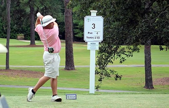 Parks Price opened his campaign with a 62 for a 3-shot lead at the South Carolina Amateur