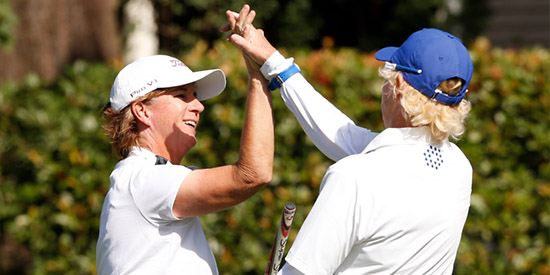 Judith Kyrinis (L) and Terrill Samuel (R): just a couple of<br>friends playing for a USGA championship (USGA photo)