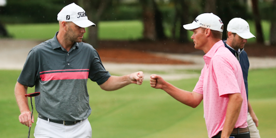 Todd Mitchell (L) and Scott Harvey (R) opened in 8-under 62 <br>(USGA Photo)