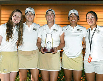 Jennifer Kupcho with her Wake Forest teammates
