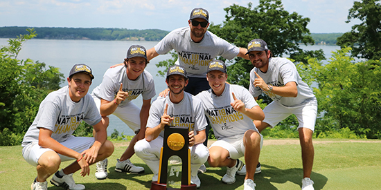 The victorious Lynn Men's golf team (Lynn University photo)