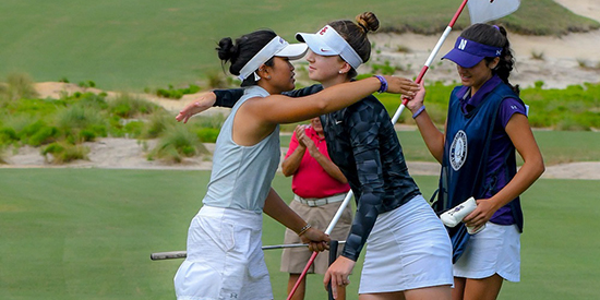 Gabi Ruffels (right) congratulates Stephanie Lau (Pinehurst photo)