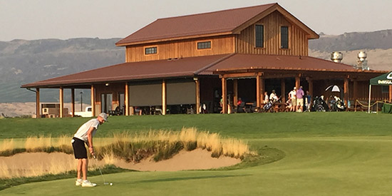 Brian Mogg on the 18th at Gamble Sands <br>(WSGA photo)