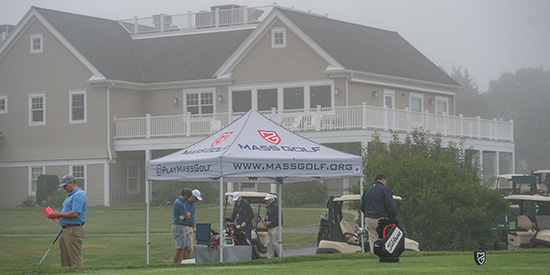 A heavy mist on Day 1 of the Massachusetts Mid-Am (Dave Colt photo)