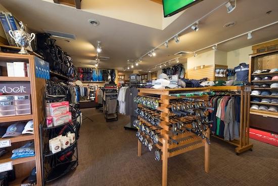 """Les professionnels de la PGA font bien plus que gérer une boutique de golf <br />Photo du club de golf de Collinwood """"/><span id="""